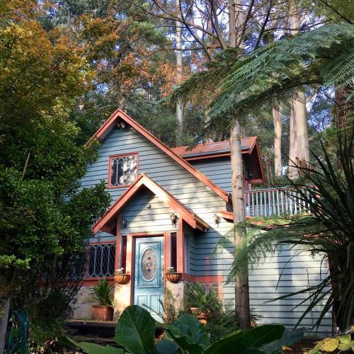 . Wild Orchid Olinda Private Luxury Cottage