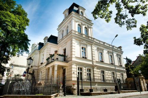 . Hotel Ambasada Bolesławiec