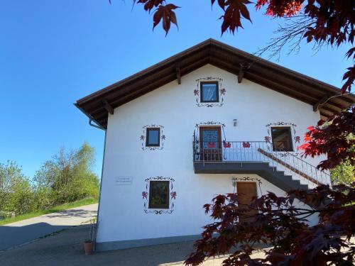 Ferienhaus am Kagerstein - Hotel - Neukirchen beim Heiligen Blut