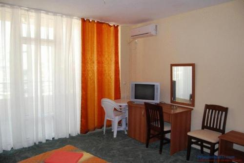Double Room with Balcony ( 2 Adults + 1 Child)