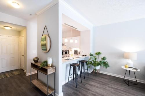 North Hollywood Luxury 30 Day Rentals Main image 1
