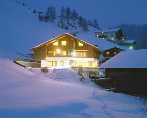 Apartments Residence Alta Badia - Accommodation - Colfosco