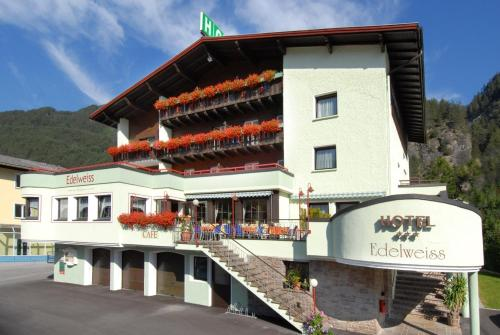Hotel Edelweiss - Pfunds