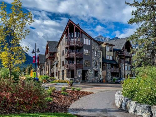 Rundle Cliffs Lodge by Spring Creek Vacations - Hotel - Canmore