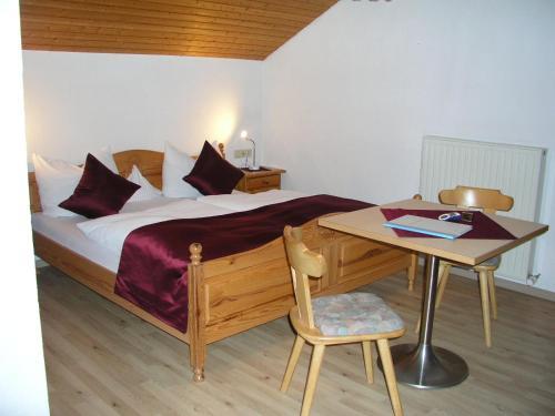 Ferienwohnungen Pension Sonnblick - Apartment - Krumbach