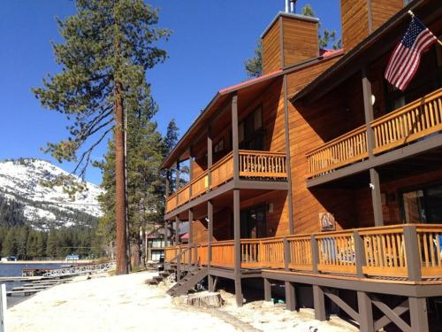 Donner Vista at Donner Lake Village Resort by Tahoe Mountain - Truckee