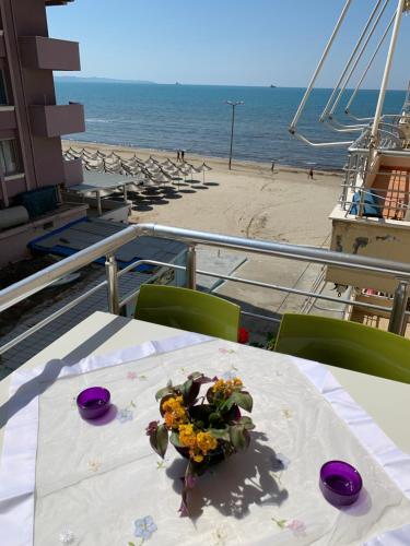Beachfront apartment Nita