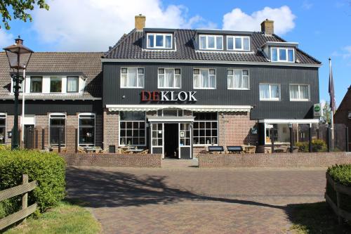 ". Hotel Cafe Restaurant ""De Klok"""