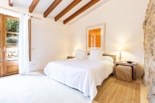 Double Room with Terrace - single occupancy Cases de Son Barbassa Hotel & Restaurant 1