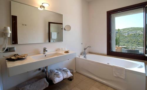 Superior Doppelzimmer mit Bergblick Cases de Son Barbassa Hotel & Restaurant 3