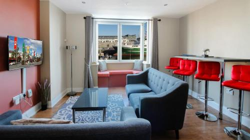 . Executive Harbour Suites A