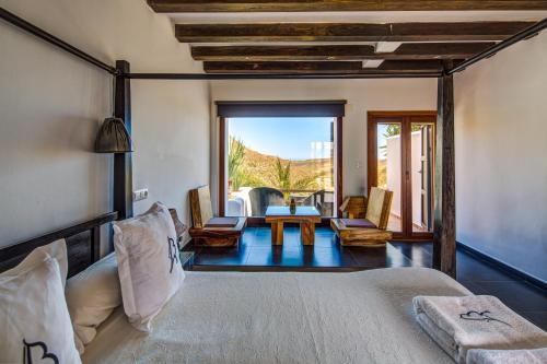 Doppelzimmer mit Terrasse La Almendra y El Gitano 5