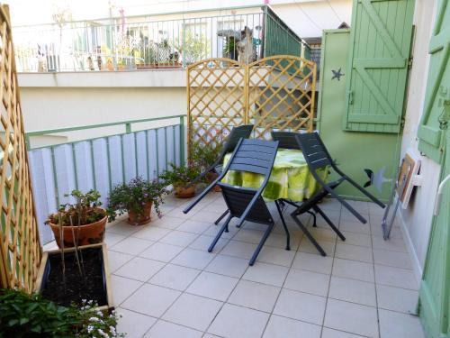 . Apartment with 2 bedrooms in Agde with shared pool furnished terrace and WiFi 50 m from the beach