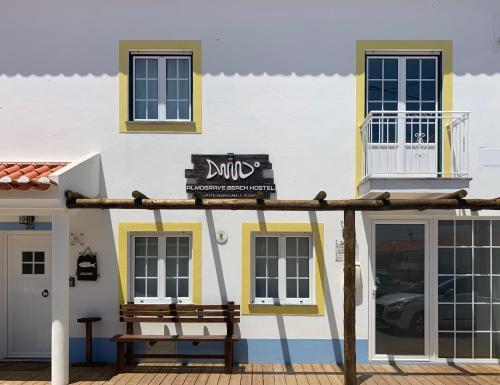 Almograve Beach Hostel, 7630-017 Almograve