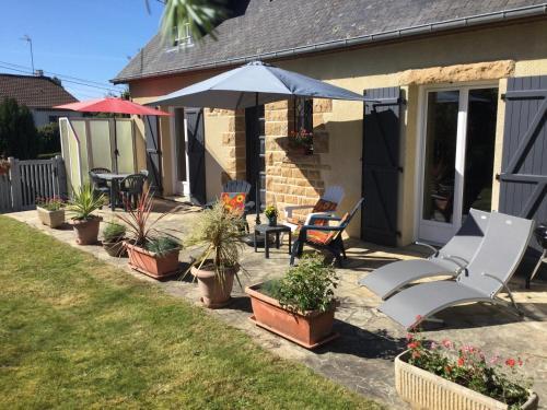 Coup de cœur assuré ! Maison spacieuse avec grande terrasse pour 2 à 5 personnes proximité Granville et mer avec wifi et parking gratuits - Location saisonnière - Granville