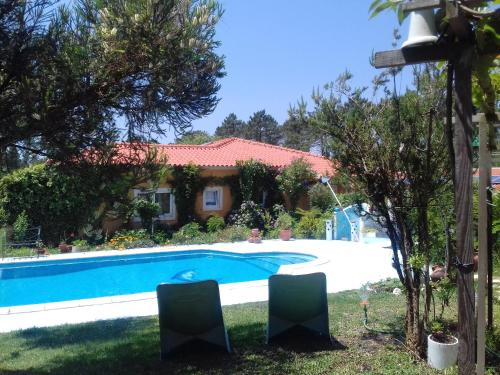. Studio in Nazare with shared pool furnished garden and WiFi 7 km from the beach