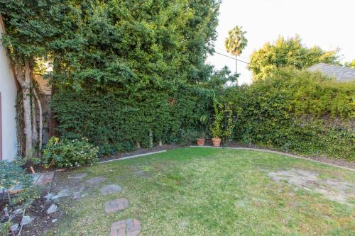 BRAND NEW! The Perfect Backhouse In Center Of LA Main image 1