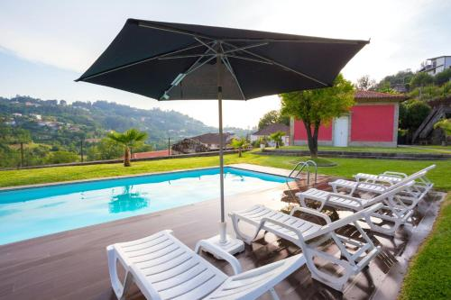 Villa with 3 bedrooms in Sobradelo da Goma, with wonderful mountain view, private pool, enclosed gar, Póvoa de Lanhoso