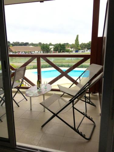 . Apartment with one bedroom in Guerande with wonderful sea view shared pool enclosed garden 600 m from the beach