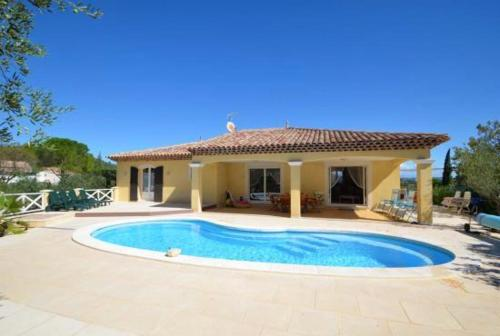 Villa with 3 bedrooms in Le Luc with wonderful mountain view private pool and enclosed garden 35 km from the beach
