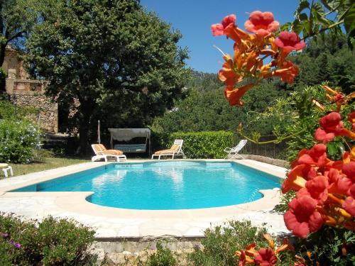 . Appartement de 2 chambres a Chateauneuf Grasse avec piscine privee jardin clos et WiFi a 18 km de la plage