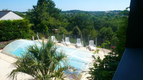 . Apartment with 2 bedrooms in Muzillac with shared pool furnished terrace and WiFi 3 km from the beach