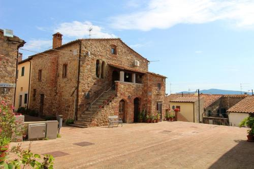 . Apartment with 2 bedrooms in Montepescali with wonderful city view and WiFi 20 km from the beach