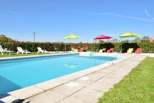 . House with one bedroom in Brux with shared pool enclosed garden and WiFi 100 km from the beach