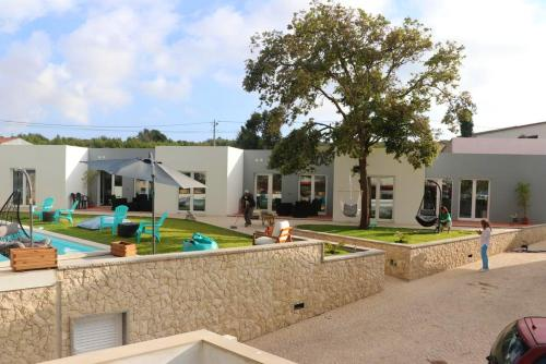 Studio in Atalaia with shared pool enclosed garden and WiFi 3 km from the beach