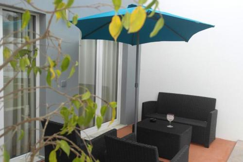 House with one bedroom in Atalaia with shared pool enclosed garden and WiFi 3 km from the beach