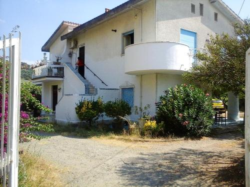 . Apartment with 2 bedrooms in Tortora Marina with enclosed garden and WiFi