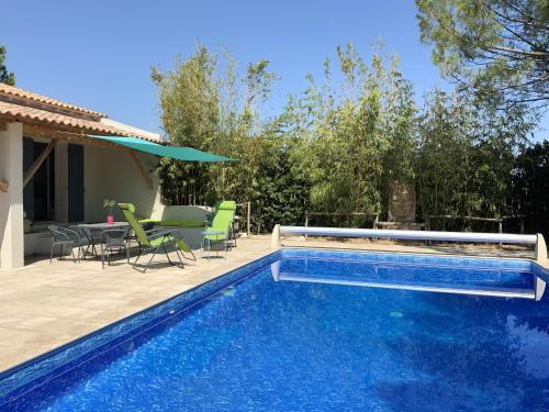 Studio a Arles avec piscine partagee jardin clos et WiFi a 44 km de la plage - Location saisonnière - Arles