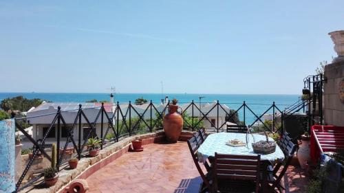 . Studio in Crotone with terrace and WiFi 500 m from the beach