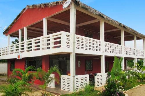 . Apartment with 3 bedrooms in Mahajanga with furnished terrace 100 m from the beach
