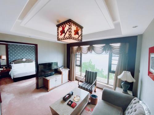 Xichang Qionghai Saibo House Hotel, Liangshan Yi