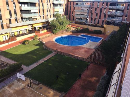 . Apartment with 3 bedrooms in Terrassa with wonderful city view shared pool enclosed garden 30 km from the beach