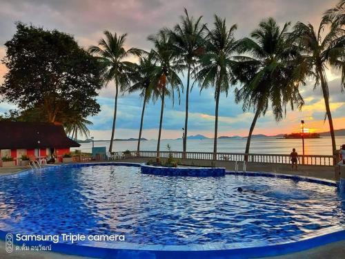 Jansom Beach Resort Jansom Beach Resort