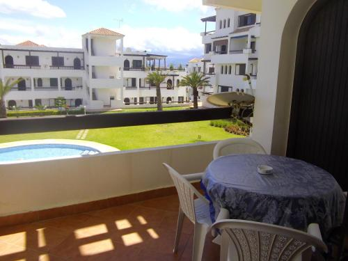 . Apartment with 2 bedrooms in Cabo Negro with private pool