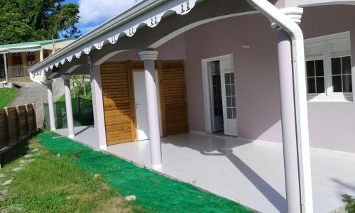 House with 2 bedrooms in Sainte Anne with enclosed garden and WiFi 5 km from the beach - Location saisonnière - Sainte-Anne