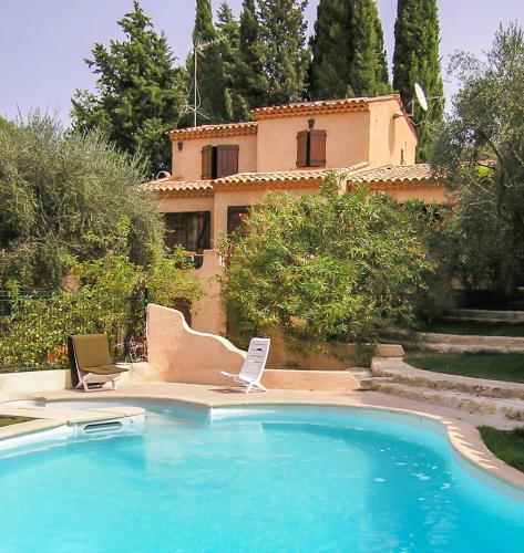 . Appartement d'une chambre a Peymeinade avec magnifique vue sur la montagne piscine privee jardin clos a 15 km de la plage