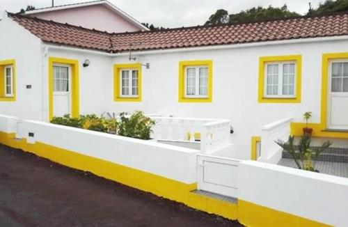 . Apartment with 2 bedrooms in Lajes Do Pico with wonderful sea view and terrace