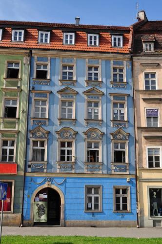 Hotel-overnachting met je hond in Hostel Bemma - Ozonowane pokoje - Wrocław - Stare Miasto