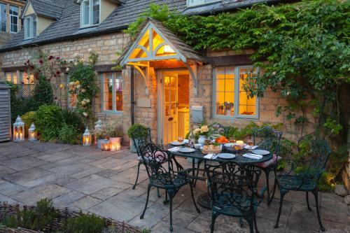 . Hook Cottage