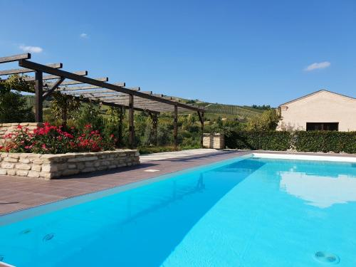 . Apartment with one bedroom in Montalto delle Marche with shared pool and WiFi
