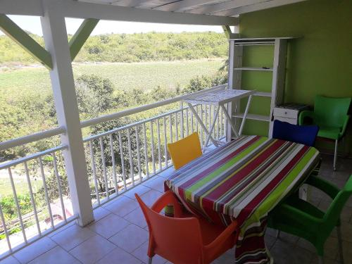 . Apartment with 2 bedrooms in SaintFrancois with furnished terrace and WiFi 800 m from the beach