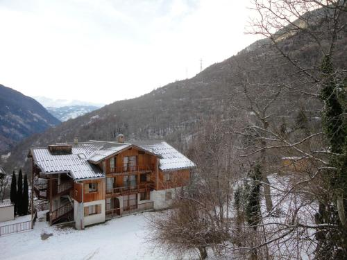 Apartment with one bedroom in Orelle with wonderful mountain view shared pool and furnished balcony