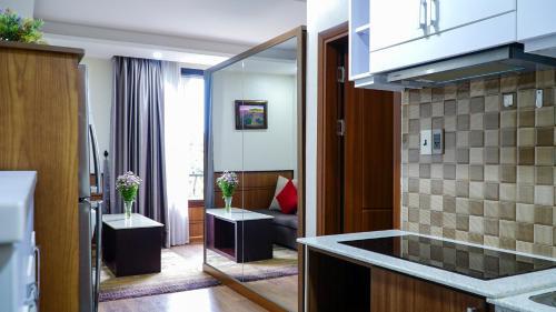 . Sweet Lavender Apartment