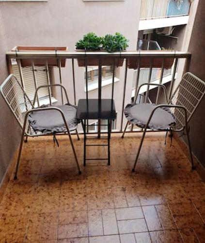 . Apartment with 2 bedrooms in El Vendrell with wonderful city view furnished balcony and WiFi 5 km from the beach