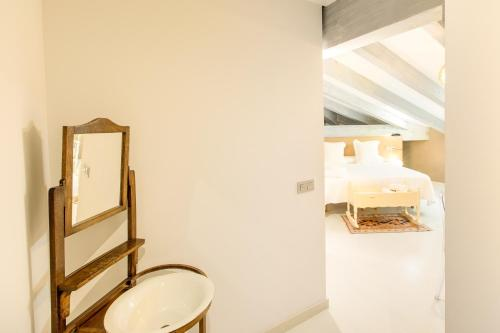 Triple Room with Sloping Roof Hotel Teatrisso 2