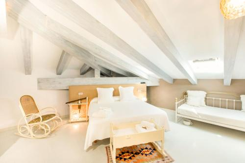 Triple Room with Sloping Roof Hotel Teatrisso 1